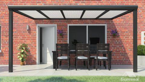 Gumax terrasoverkapping vooraanzicht 5.06m breed x 2.5m diep modern antraciet met opaal polycarbonaat dak