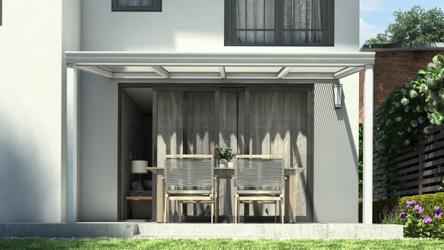 Klassieke terrasoverkapping in mat wit van 4,06 x 2,5 meter met heldere polycarbonaat - Tuinmaximaal