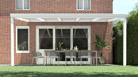 Klassieke terrasoverkapping in mat wit van 5,06 x 3,5 meter met heldere polycarbonaat - Tuinmaximaal