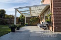 Moderne Gumax® Terrasoverkapping in mat crème van 5,06 x3 meter met glazen dakplaten inclusief Gumax zonwering