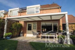 Moderne Gumax® Overkapping in mat wit van 5,06 x3 meter met glazen dakplaten inclusief automatische zonwering
