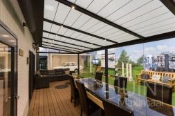 Gumax® Zonwering in mat antraciet inclusief Gumax® glazen schuifwanden en LED verlichting